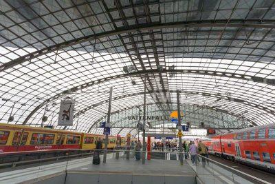 Bahnhof Berlin 2006